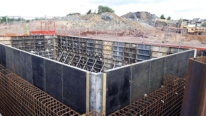 Formwork for a large rectangular concrete structure
