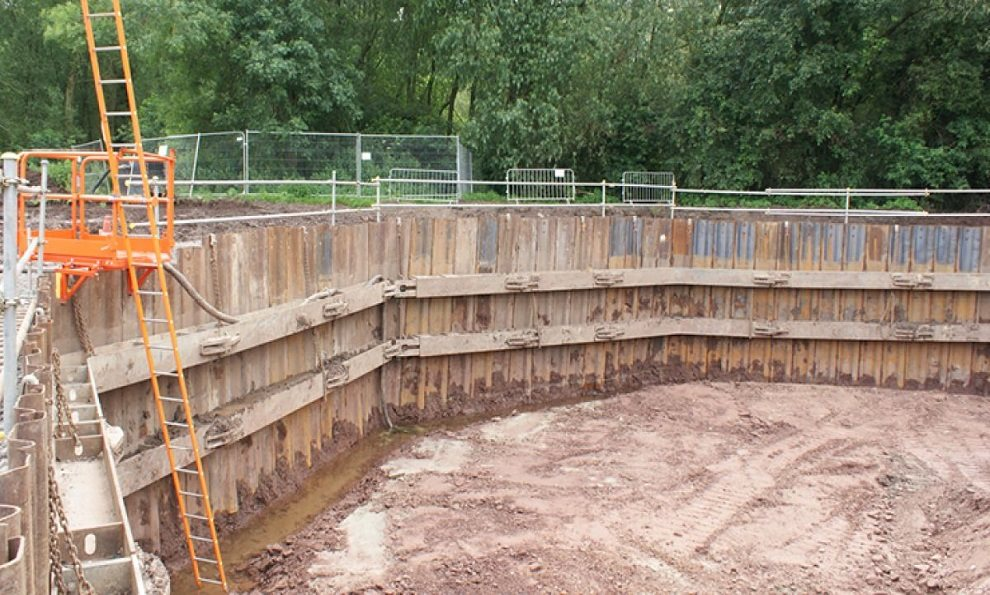 Octagonal trench sheeting